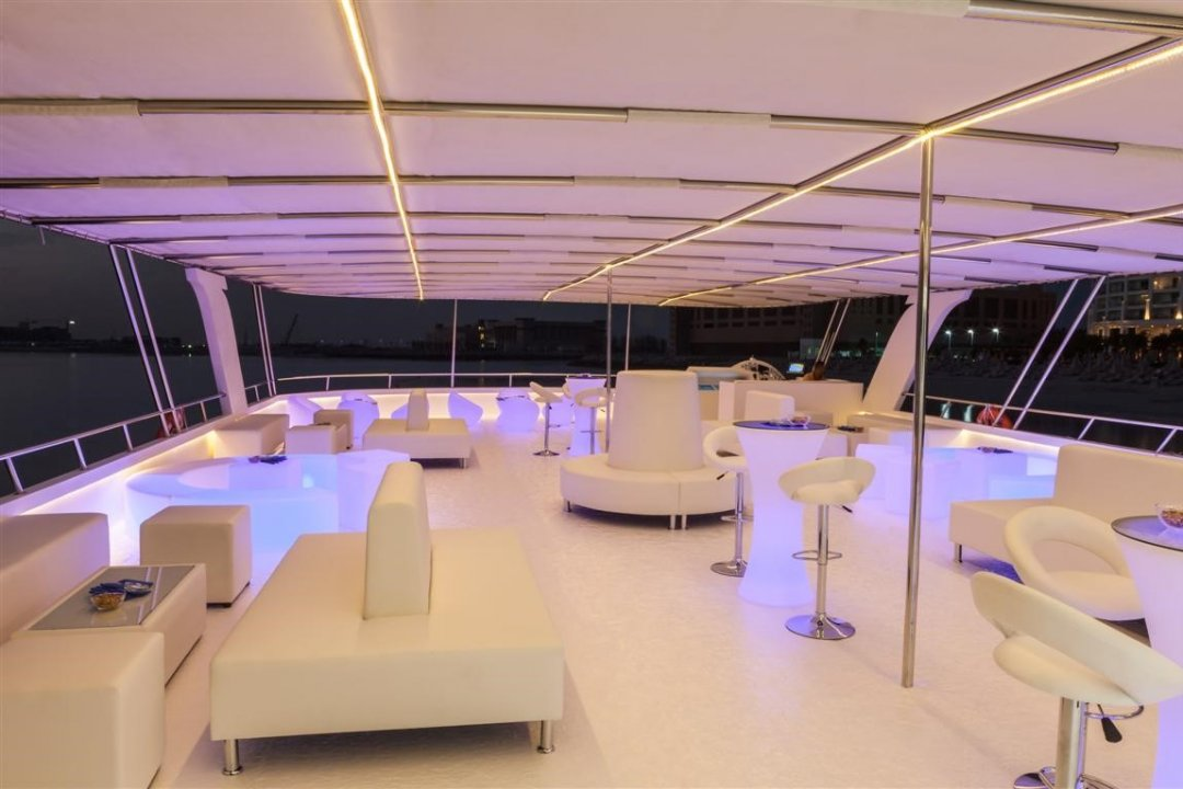 Wedding Cocktail Lounge - Xclusive Yachts