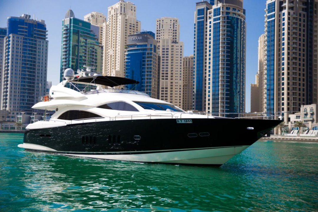 95ft Sunseeker Ultimate VIP Yacht - Xclusive 36