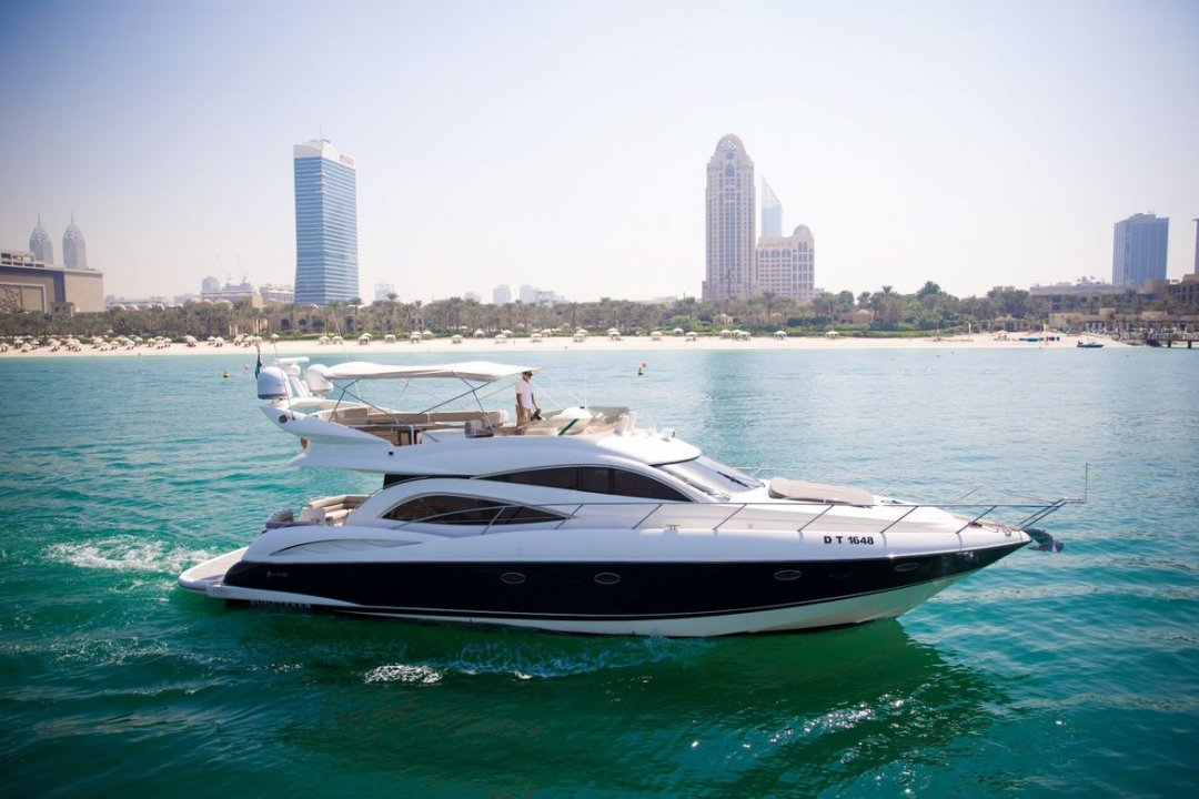 55ft Sunseeker yacht - Xclusive 33 - Luxury Yacht Dubai