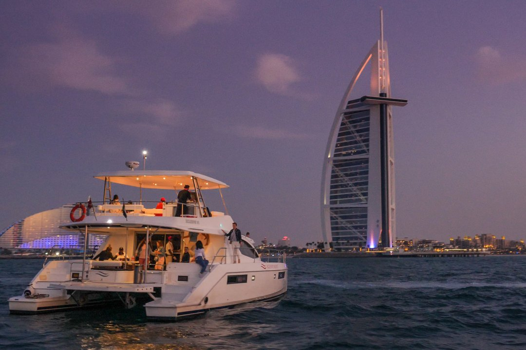 CANAL YACHT SHARE - THE BURJ AL ARAB VIEW