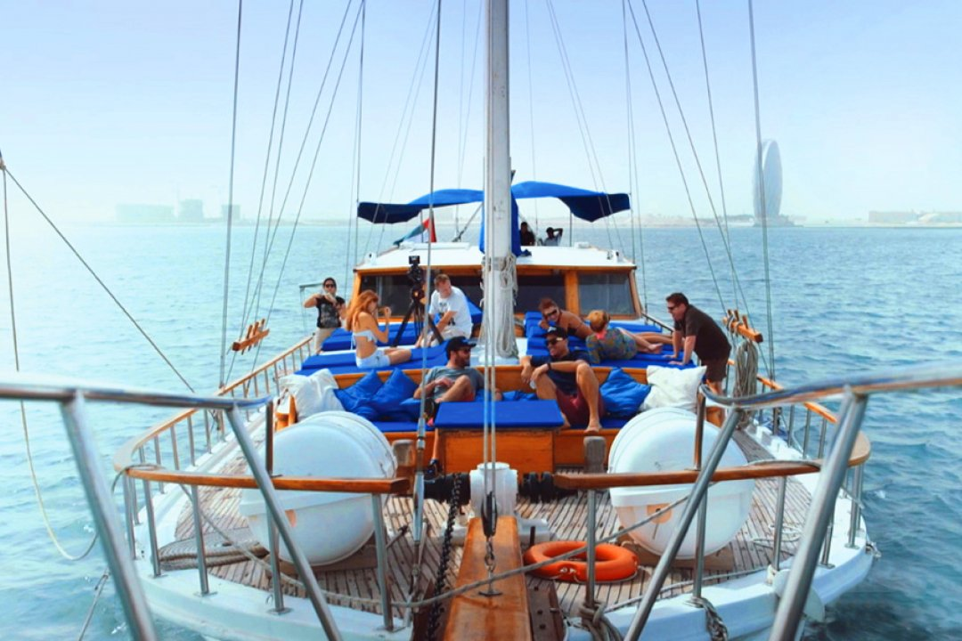 Experience the exceptional yacht boat tour in Abu Dhabi. It's great for the sociable & budget-oriented. We have the best boat tour you sure don't want to miss.